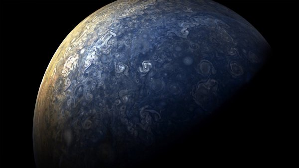 in the most recent flyby as with the previous eight junos flyby started over jupiters north pole