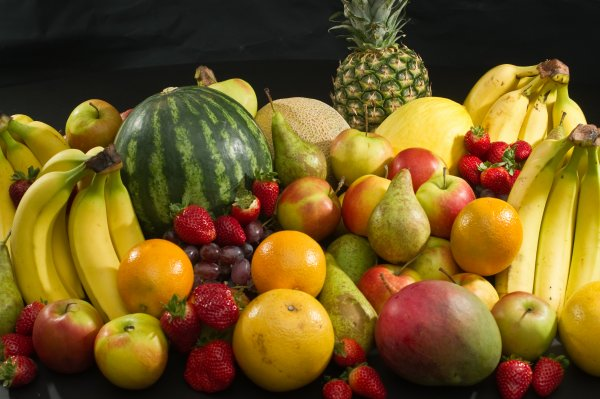 Culinary fruits front view