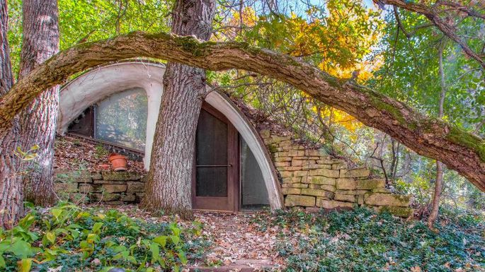 Unique Hobbit Home For Sale In Wisconsin- A Rare Treat For Eco-Buyers 3d9499ea6f1614b1407c5cb40c4fab6dw-c0xd-w685_h860_q80