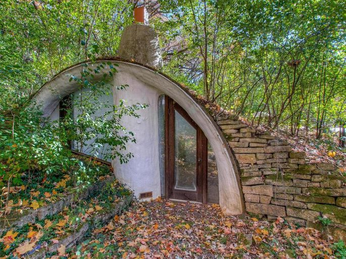 Unique Hobbit Home For Sale In Wisconsin- A Rare Treat For Eco-Buyers 4c9e71366ecea94d3f6ae9eb6bedfd31w-c0xd-w685_h860_q80