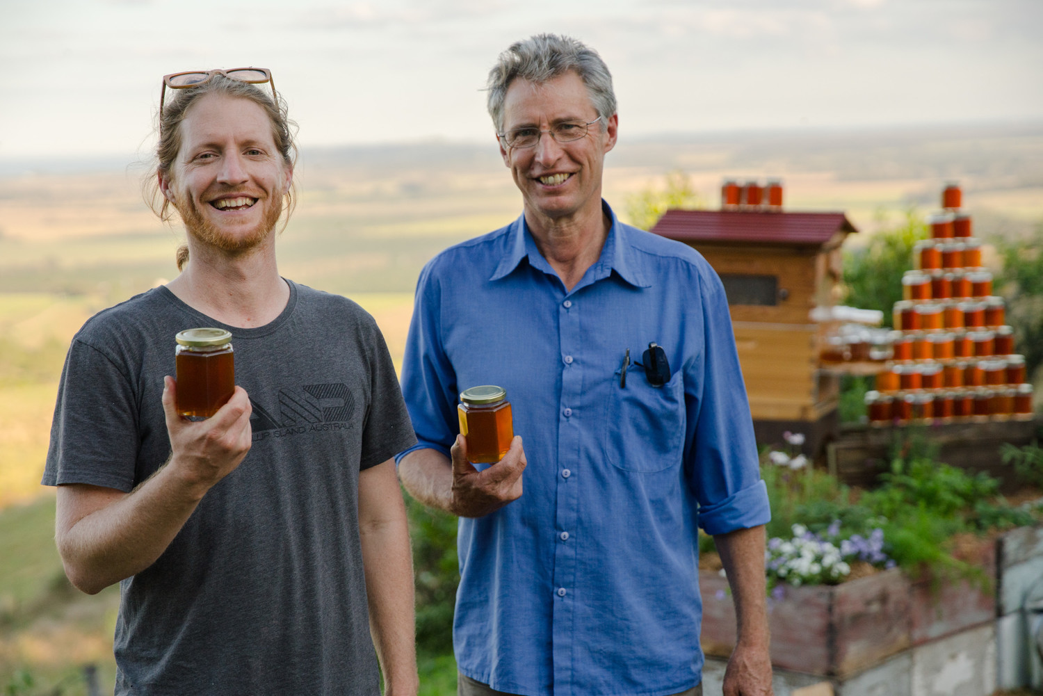 Father-Son Duo Help Create 51,000 New Beehive Colonies With Amazing Invention Gallery_a7rii_indigogo_big_honey_harvest_20160722_1160_2500px_72dpi_no_wm-gallery1029_May31101630