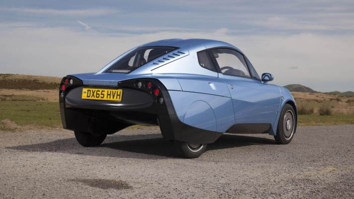 This Futuristic Car Is Powered By Hydrogen And Only Lets Out Water Rasa-11