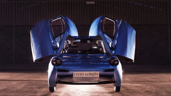 This Futuristic Car Is Powered By Hydrogen And Only Lets Out Water Rasa1
