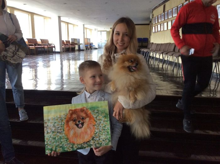 9 year old Russian boy trades his art for abandoned dog food and medicine 5da5173269e0d 700