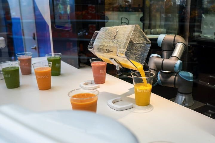 smoothie-making bot